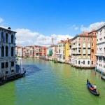 Gondolas on the Grand Canal of Venice — Stock Photo