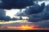 Stormy sea sunset — Stock Photo