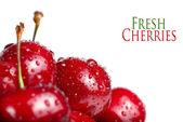 Frische Kirschen Beeren mit Tropfen — Stockfoto