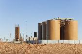 Treater And Tanks For Crude Oil And Condensate — Stock Photo