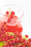 Red currant drink and berries — Stock Photo
