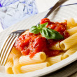 Pasta with Tomato Sauce and Basil — ストック写真