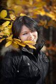 Mutlu genç kadın — Stok fotoğraf