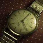 Vintage golden wristwatch. — Stock Photo #7712947