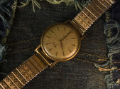 Vintage golden wristwatch. — Stock Photo