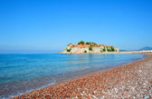 Beach near Sveti Stefan island in Montenegro — Stock Photo