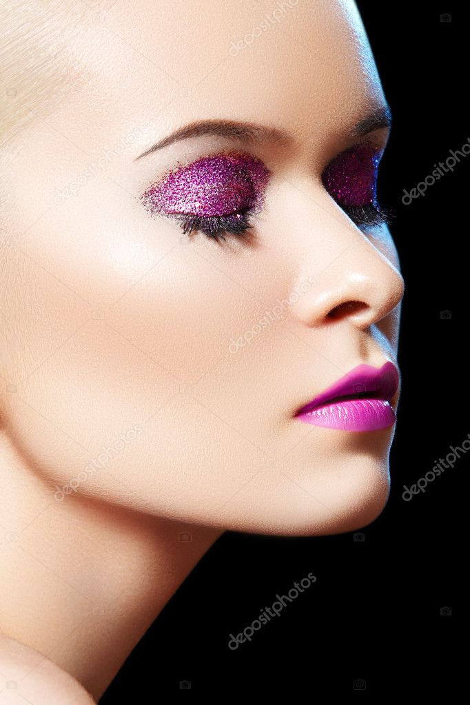 With Shiny Glitter Make-up