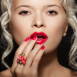 Cosmetics, accessories and romantic retro style. Sexy beautiful blonde — Stock Photo