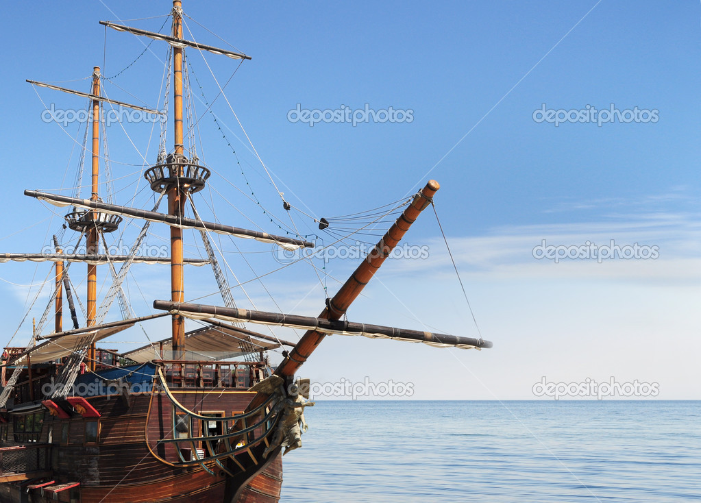 Old fashioned fregate in sea — Stock Photo #6778423