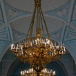 Gold chandeliers in the Hermitage in St. Petersburg. — Stock Photo