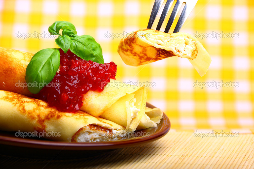 Delicious pancake with cottage cheese and cherry jam — Stock Photo #7687784