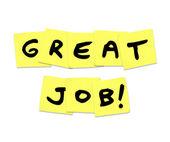 Skvělá práce - slova chvály na žlutou poznámek sticky notes — Stock fotografie