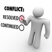 Choisir de résoudre ou de continuer des conflits - résolution des conflits — Photo
