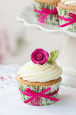 Rose cupcake — Stock Photo