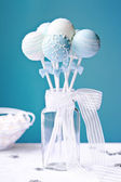 Wedding cake pops — Stock Photo