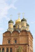 Chiesa ortodossa nella luce del sole — Foto Stock