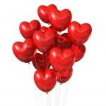 Красные шары, изолированные на белом в форме сердца — Стоковое фото