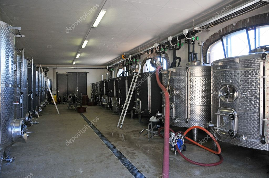 Wine production in a modern Italian farm. — Stock Photo #6762057