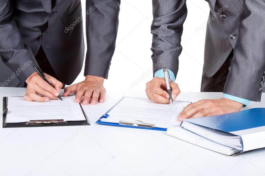 юрист по договорной работе как эти