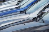 Arabalar satır — Stok fotoğraf