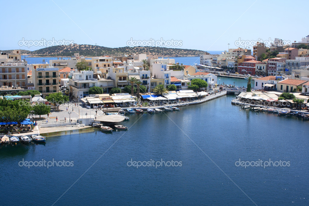 Lake Voulismeni in Agios Nikolaos, Crete, Greece — Stock Photo #6836254