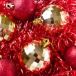 Christmas balls with tinsel — 图库照片