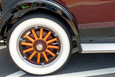Old Wooden Wheel — Stock Photo