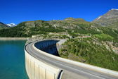 Dam of Chevril or Tignes and Mont-Pourri, France — Stock Photo