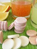 Lemonade tablets with vitamins — Zdjęcie stockowe