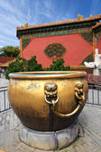 Gilt water tank in the forbidden city — Stock Photo