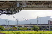 Airplane take off in Taipei — Stock Photo