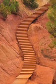 Staircase in a park inside ochre quarry, Roussillion, France — Stock Photo