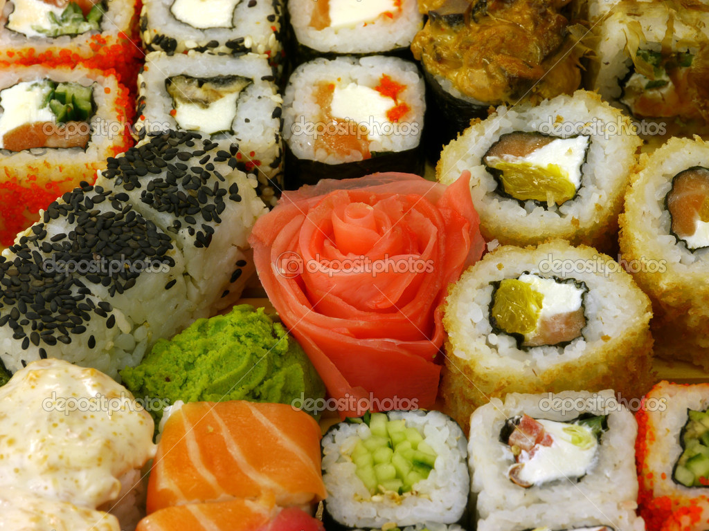 Assortment of traditional Japanese Sushi close-up — Zdjęcie stockowe #7856440