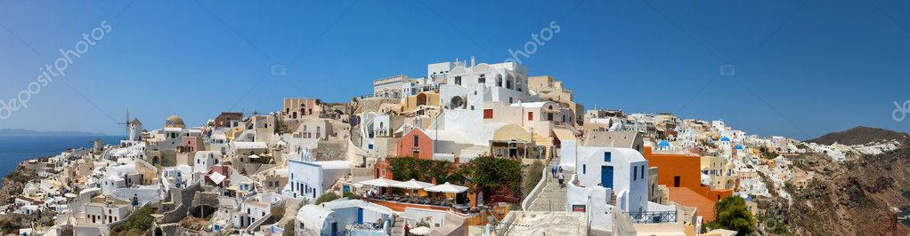 A panoramic image of the village of Oia on the greek island of Santorini. — Stock Photo #7284737
