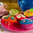 Cup cakes with tea — Stock Photo