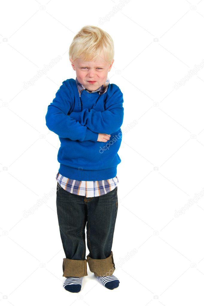 小的金发小孩是很生气