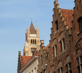 Cathedral and step-roofed gables in Bruges — Stock Photo