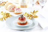 Whipped cream cakes for Christmas — ストック写真