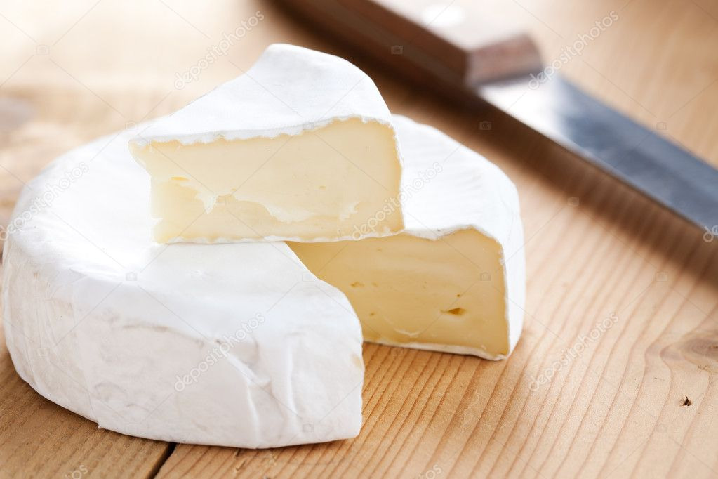 Photo shot of brie cheese — Stock Photo #6999744