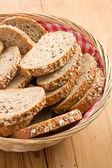 Hele tarwe brood — Stockfoto