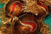 Noel topları ve diğer dekorasyon — Stok fotoğraf