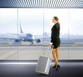 Traveler with luggage — Stockfoto