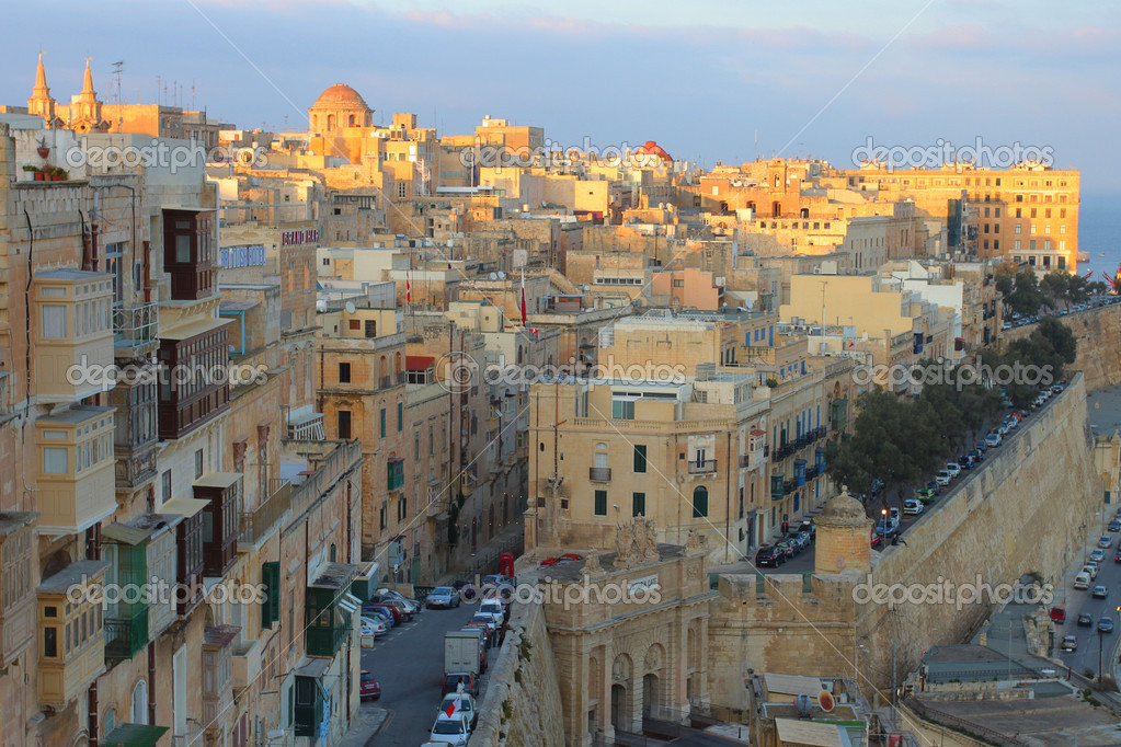 Evening view of Valleta, capital of Malta — Stock Photo #6817574