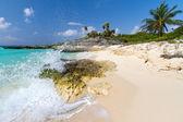 Idyllic Caribbean beach — Stock Photo