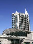 Moderno edificio en lisboa — Foto de Stock