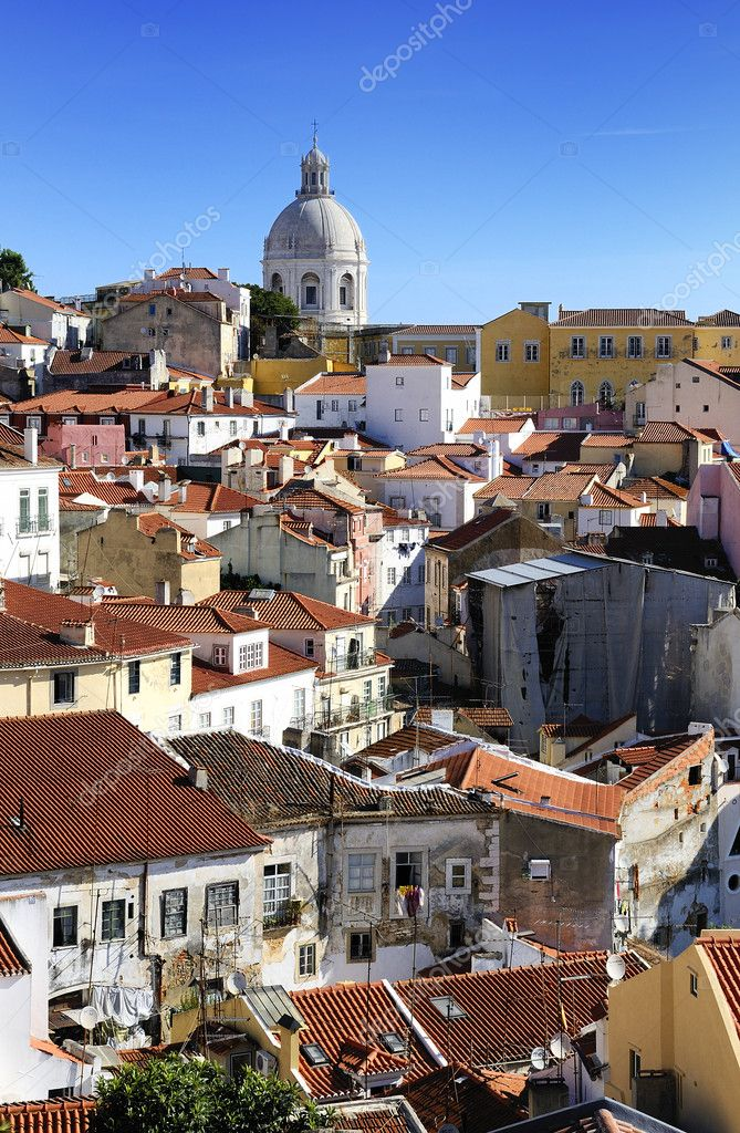 Panorama of a old traditional neighborhood in Lisbon — Stock Photo #7797726