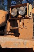 Tunga anläggningsmaskiner parkerade på arbetsplatsen — Stockfoto