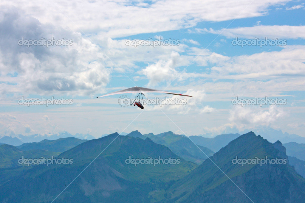Hang gliding in Swiss Alps, Fiesh, Switzerland — Stock Photo #6819496