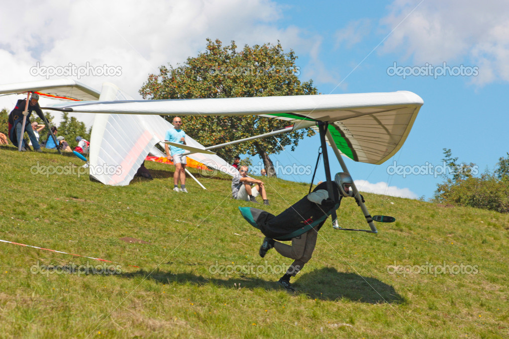 Hang gliding in Julian Alps, Slovenia — Stock Photo #6830473
