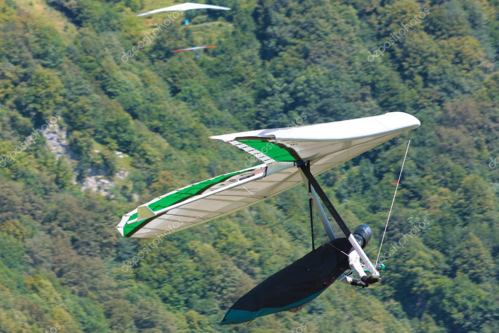 Hang gliding in Julian Alps, Slovenia — Stock Photo #6830480